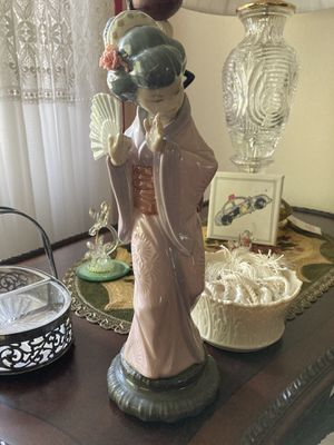 """Lladro #4990 Porcelain """"Chrysanthemum"""" Geisha with fan *Retired* for Sale in Tampa, FL"""