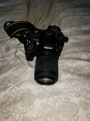 Nikon D7200 Camera With Lens for Sale in Medford, OR