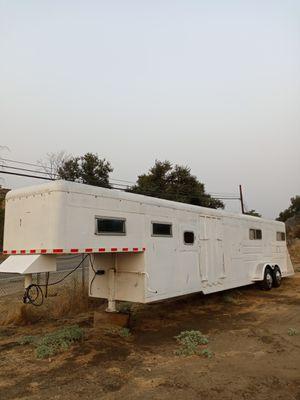 6 HORSE TRAILER TRAILA PARA 6 CABALLOS GOOSENECK for Sale in Perris, CA