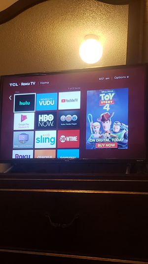 TCL 32 inch ROKU SMART TV for Sale in Long Beach, CA