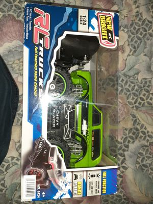 New Bright Chevy Blazer green RC truck for Sale in St. Petersburg, FL