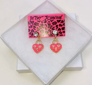 """Betsey Johnson """"THE KEY 🔑 TO MY 💗 HEART!"""" Beautiful bright pink Lock hearts 💕 dangle stud posts earrings NEW! for Sale in Carrollton, TX"""