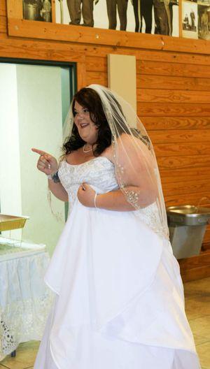 Beautiful plus size wedding dress for Sale in Joplin, MO