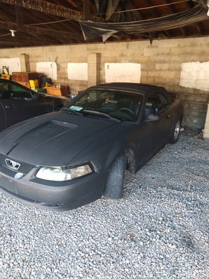 00 mustang convertible v6 for Sale in Louisville, OH