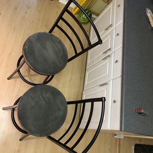 2 swivel bar height chairs for Sale in Woodbridge, VA