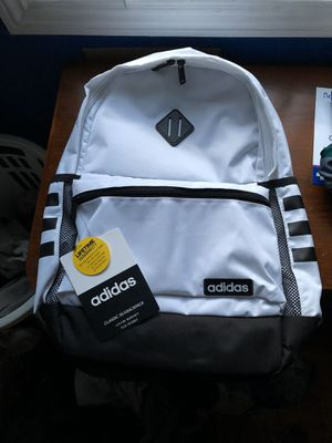Adidas classic 3s backpack for Sale in Long Beach, CA