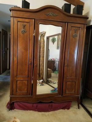 Antique Armoire for Sale in Diamond Bar, CA