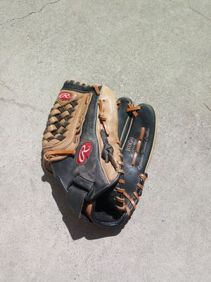 Rawlings BASEBALL glove for Sale in West Covina, CA