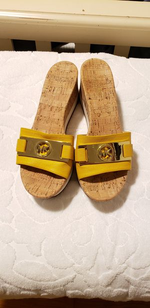 Michael Kors sandals for Sale in Independence, OH