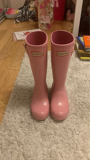 Girls size 1 hunter boots for Sale in Santa Clarita, CA