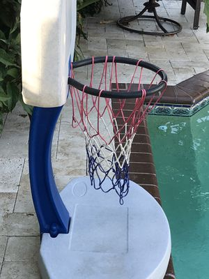 Basketball /volleyball hoop for Sale in Boca Raton, FL