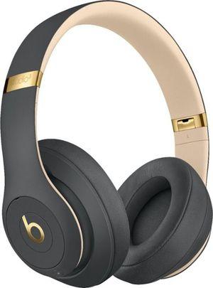 Beats Studio 3 - Black Good - New In Box for Sale in Miami, FL