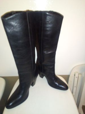 Black leather cowboy boots for Sale in Warren, MI