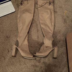 Heels (Guess) for Sale in Fayetteville, GA