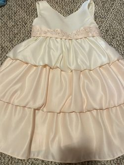 Girl's American Princess Pink And White Dress for Sale in Freeburn,  KY