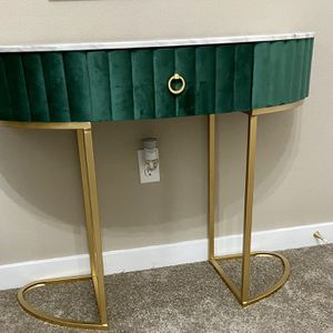 Consul table New Never been use for Sale in Covington, WA