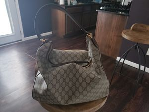 Gucci hand bag large, very nice $600.00 for Sale in Dallas, TX