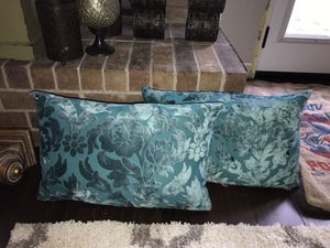 Chic pillow for Sale in Dallas, TX
