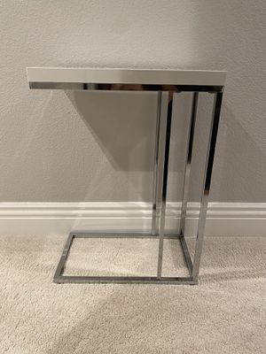 White & Chrome End/Side Table for Sale in San Jose, CA