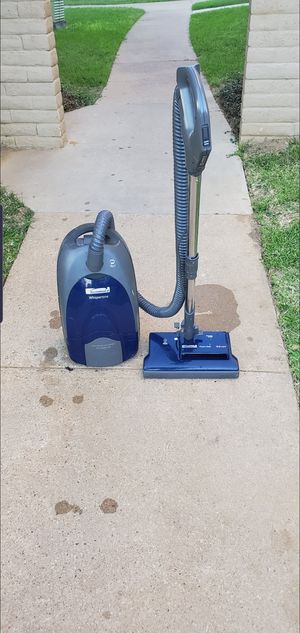 kenmore whispertone bagless vacuum cleaner. for Sale in Fort Worth, TX