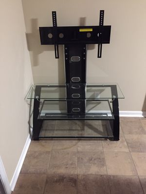 Glass Flatscreen Tv Stand... Like NEW !!! No scratches at all! $70 for Sale in Hardeeville, SC