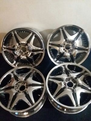 Erm rims chrome n black 20 inch for Sale in Las Vegas, NV