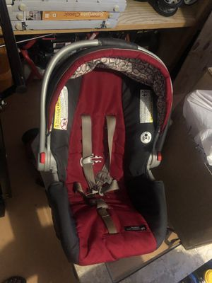 Graco car seat with base for Sale in Port St. Lucie, FL