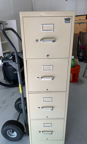 4 Drawer metal filing cabinet for Sale in Palm City, FL