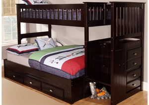 Beautiful bunk beds with trundle! Less than year old! for Sale in Atlanta, GA