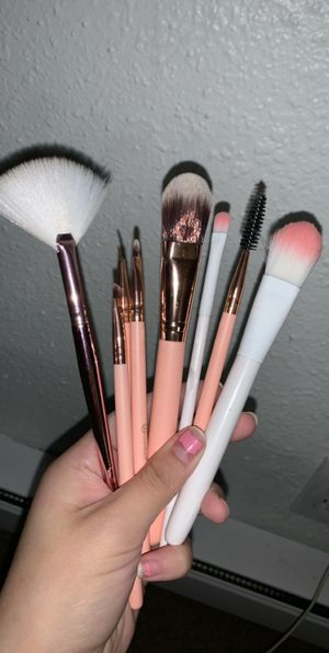 New makeup brushes for Sale in Tacoma, WA