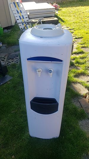 Water dispenser for Sale in Tacoma, WA
