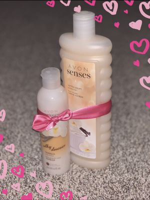Avon Bubble bath 🛀 vanilla and body lotion good offer👍🏼🌹 for Sale in Garner, NC