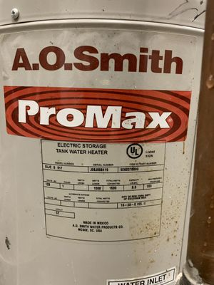 A.O.smith. Model number ELJC 6917 6 gallon water heater for Sale in Nashville, TN