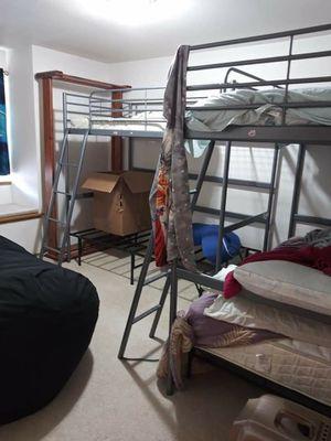 Svarta ikea twin bunk bed set (2 sets) for Sale in Puyallup, WA