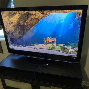 LG Tv for Sale in Winter Haven, FL