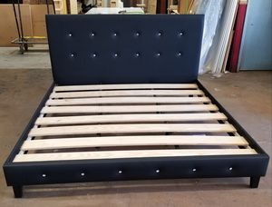 Cama.... Bed Frame for Sale in Hialeah, FL