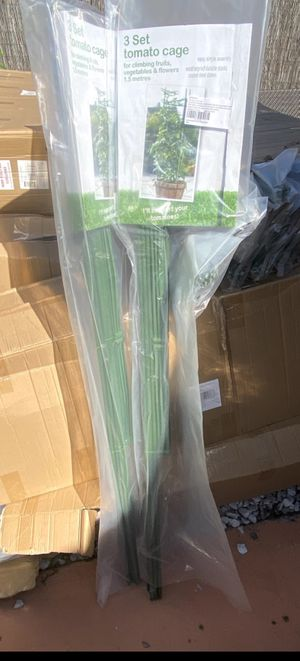 BRAND NEW 3-Pack Plant Cages Assembled Tomato Garden Cages Stakes Vegetable Trellis, for Vertical Climbing Plants for Sale in Hialeah, FL