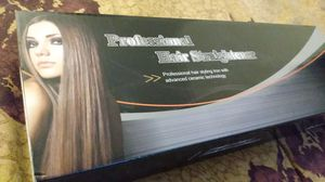 Electric Hair Straightener for Sale in Miami, FL