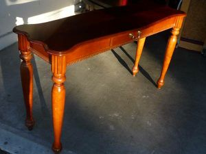 Beautiful Entry Sofa Table for Sale in Peoria, AZ