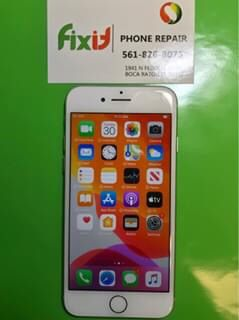 iPhone 8 unlocked 64gb in great condition for Sale in Boca Raton, FL