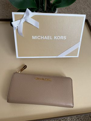Michael Kors wallet women large new with tags for Sale in San Antonio, TX