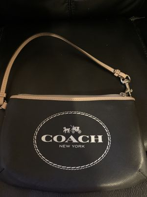 Small coach purse for Sale in Yuma, AZ
