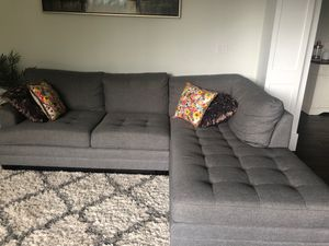 Grey sectional couch - $850 for Sale in Issaquah, WA