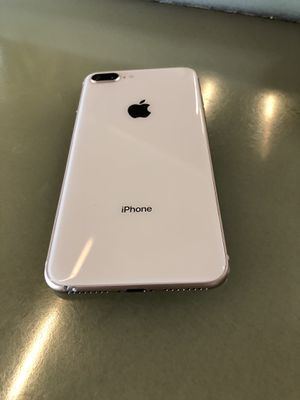 iPhone 8 Plus 64gb sprint gold sprint carrier for Sale in Auburn, WA