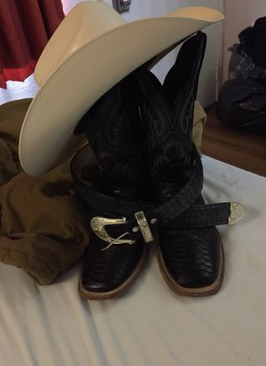 Boots and belt for Sale in Dallas, TX