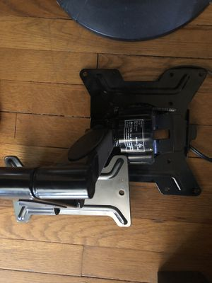 TV Wall Mount for Sale in Euclid, OH