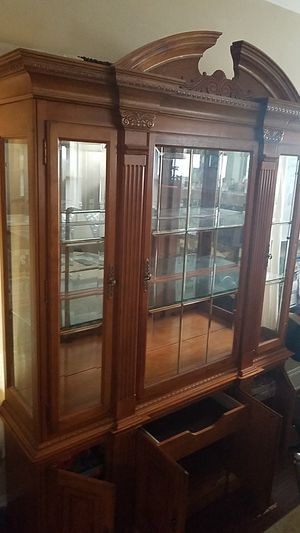 China cabinet for Sale in Cleveland, OH