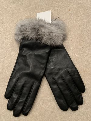 Surell Leather & Genuine Rabbit Fur Gloves for Sale for sale  Greenwich, CT