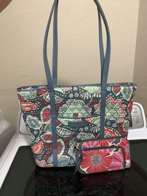 New Vera Bradley purse with free wallet $30 for Sale in Fort Worth, TX