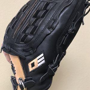 Nike Baseball Glove for Sale in Phoenix, AZ
